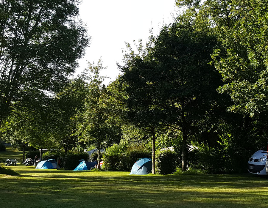 camping-le-moulin-des-effres-emplacement-toile-de-tente
