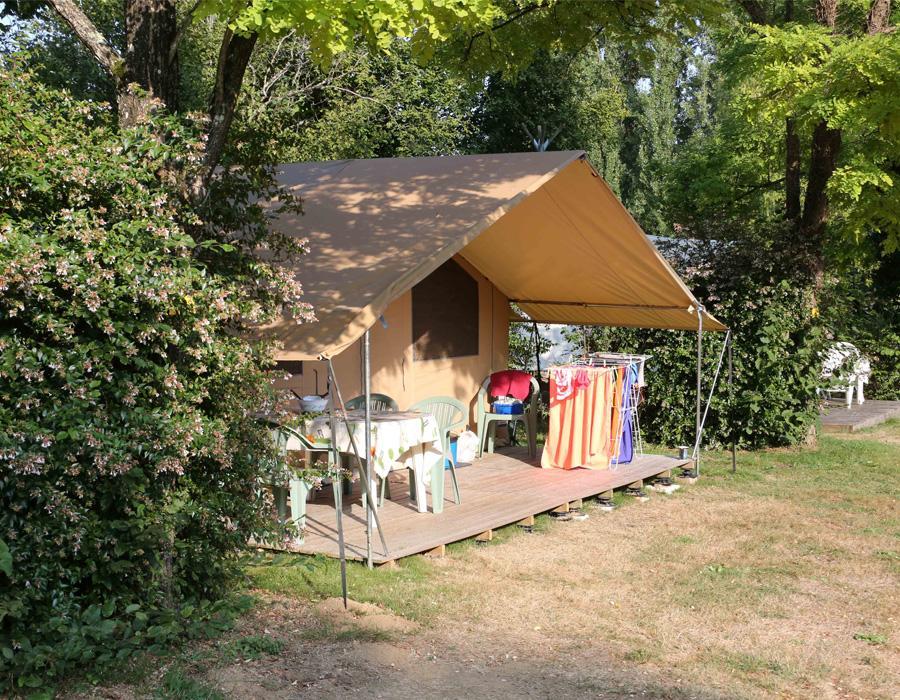 camping-le-moulin-des-effres-location-hebergement-insolite-tente-meublee