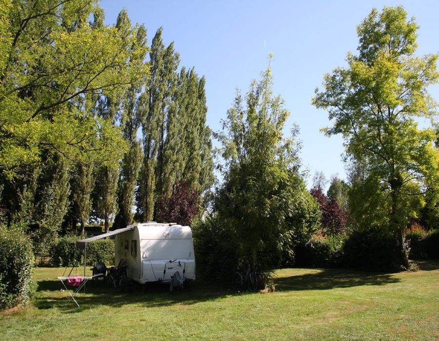 camping-le-moulin-des-effres-secondigny-emplacement-camping-car